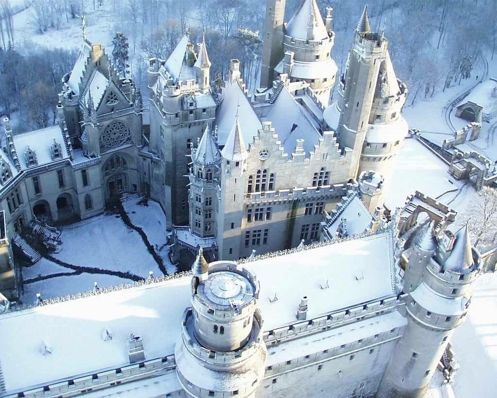 Chateau de Pierrefonds #France <br>http://pic.twitter.com/MWf8AGqbyQ