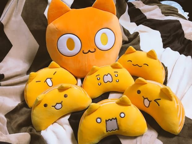 고양이가 없는 슬픔을 달래기 위해 만든 캐릭터 귤냥이와 귤알냥이의 인형을 만듭니다. 작은 귤알냥이들이 모이면 큰 귤냥이가 됩니다.  밀어주기 https://t.co/S71Y9VTZlu https://t.co/CxZf50id0x