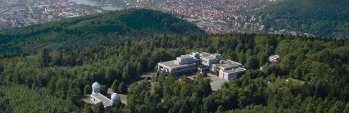 The @mpi_astro is located on Königstuhl, a hill very close to the old town of Heidelberg. https://t.co/GIfCWfFdRg