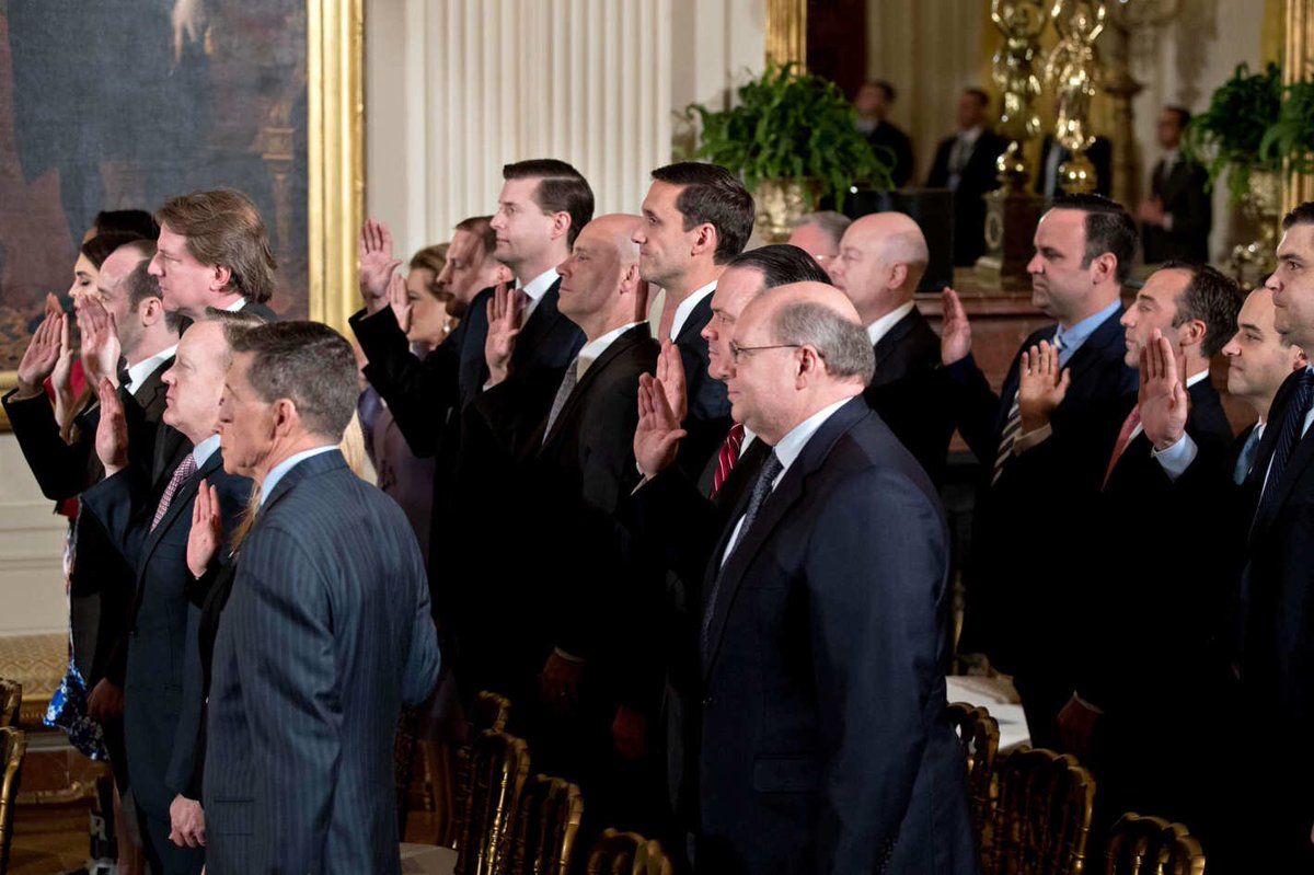 Amazing diversity as Trump's senior staff is sworn in: White men of many heights, tie colors https://t.co/bE61gSQ81B