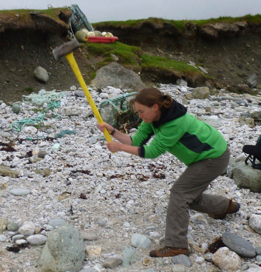 I study how Shetland formed over 3 billion years. I'm an #actuallivingscientist and I #DressLikeAWoman while I'm doing it. https://t.co/GZMQJ8cwlf