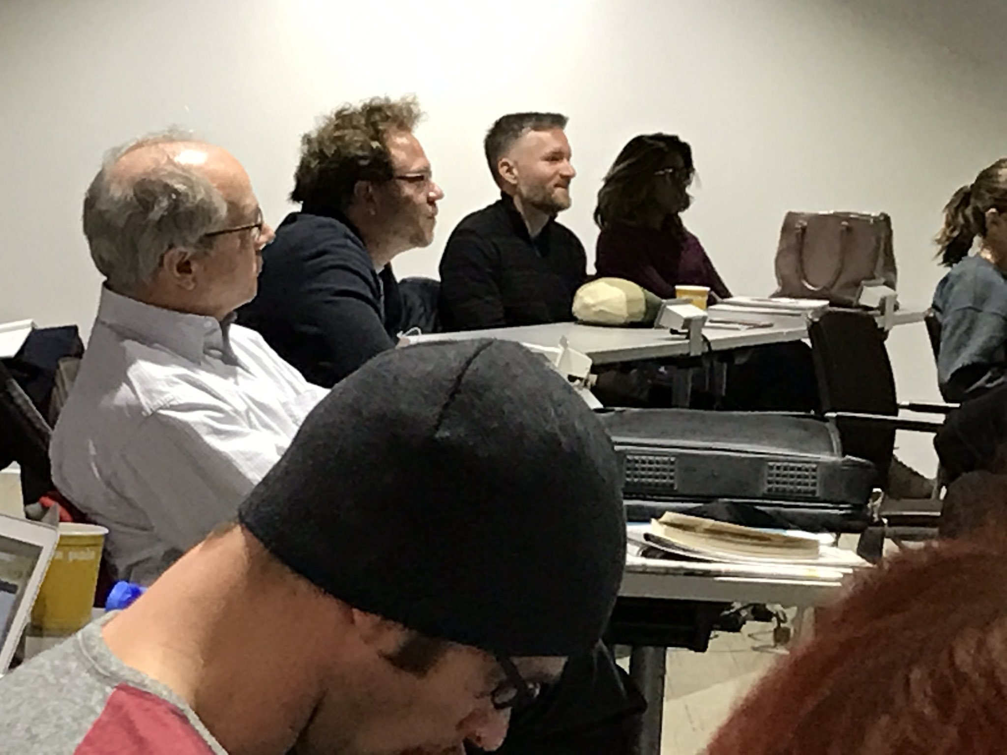 """Botelho fields question about translating """"the untranslatable"""" in Chaucer and Shakespeare from @periphrast #gwdh17 https://t.co/8ClWBPUxcW"""