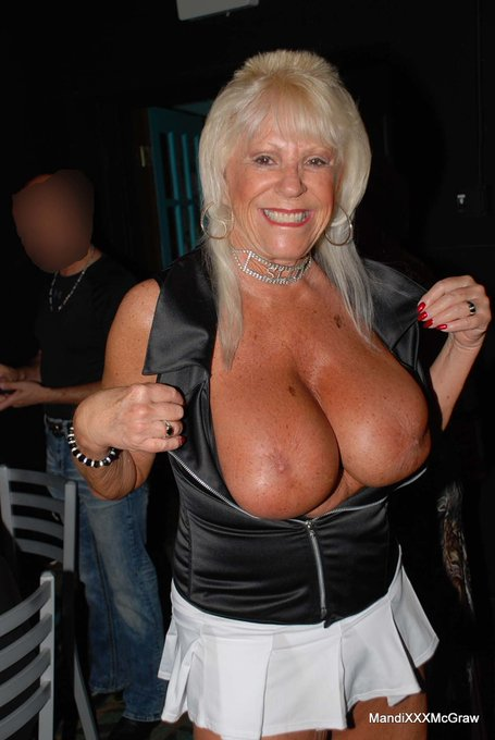 1 pic. Had fun #publicflashing at Naughty Tampa Bar Meet Thursday. It was so hot & I was a #naughtygirls