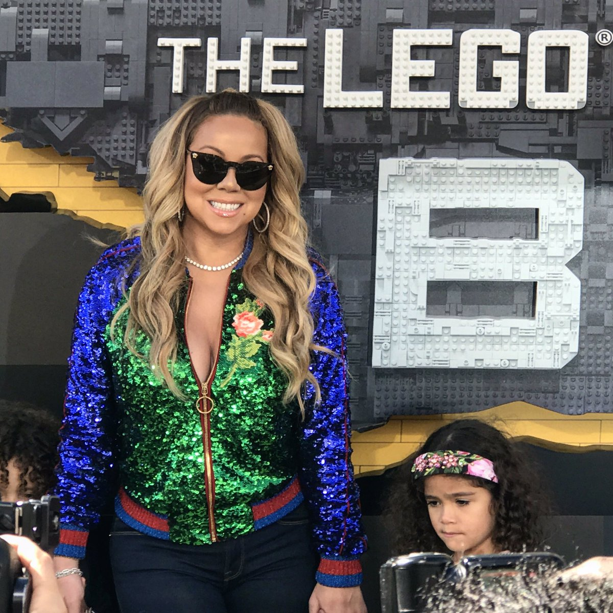 Mariah Carey arrives #Lego #LegoBatman #legobatmanmovie #legobatmanpremiere @LEGOBatmanMovie https://t.co/nK3IQ3pcBr