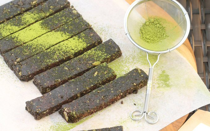 Raw Matcha Chocolate Bars [Vegan, Gluten-Free]