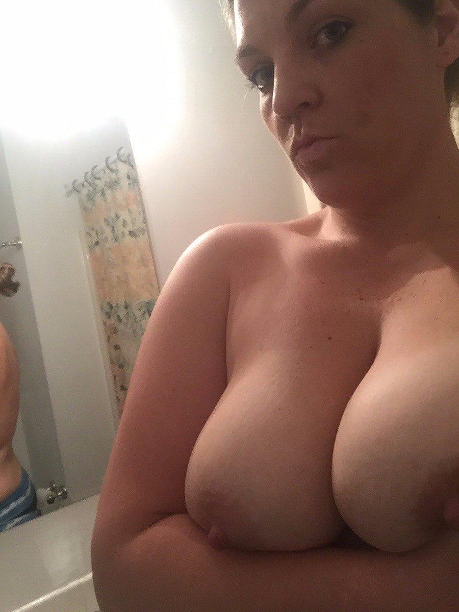 Nude Selfie 10501