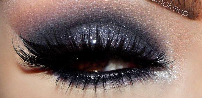 Beauty Basics: How To Put On False Eyelashes