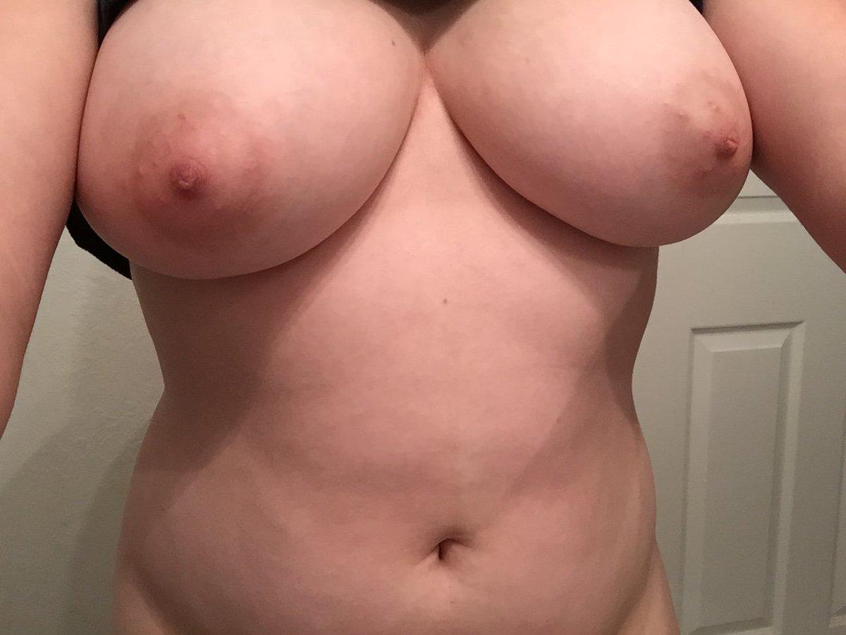 Nude Selfie 10512