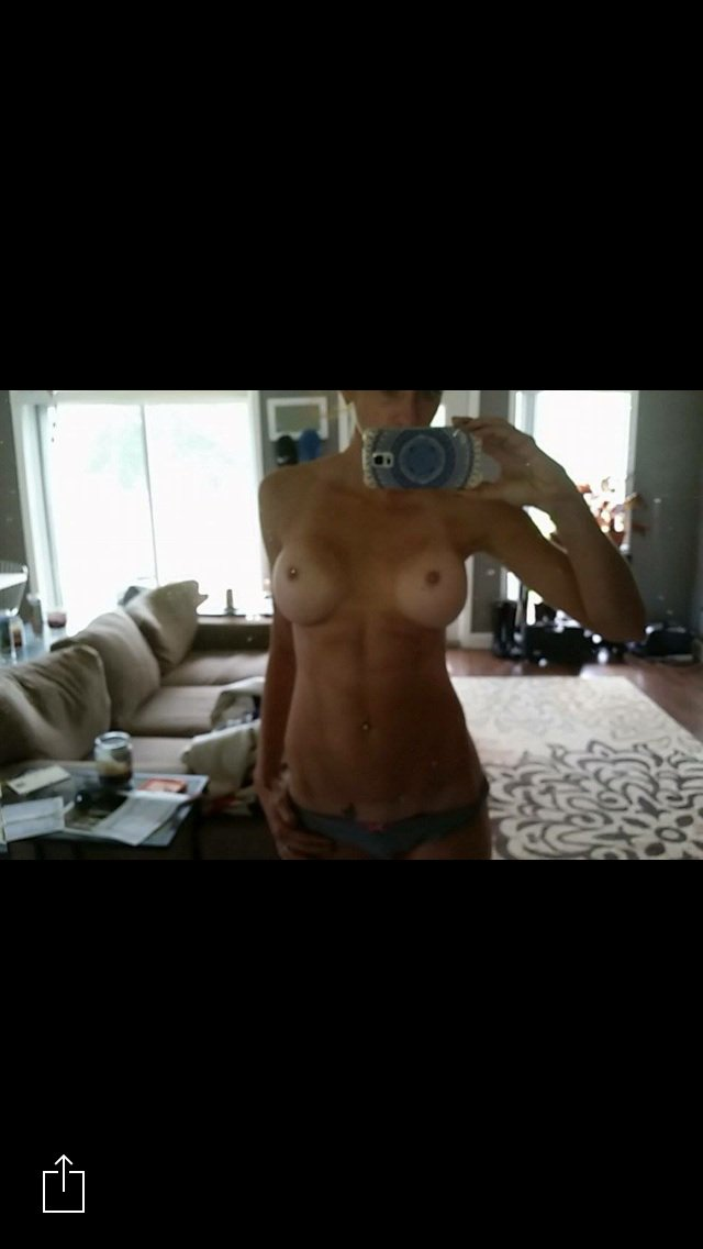 Nude Selfie 10553