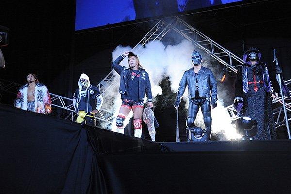 """ロス・インゴベルナブレス・デ・ハポン""""5人衆""""が横並びでステージに登場! 2.5北海きたえーる大会を…"""