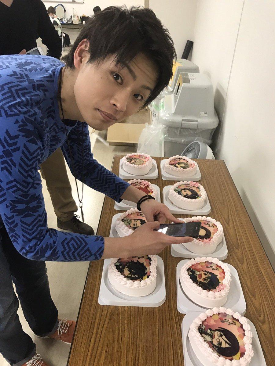 あ、もう一枚!! 界人さんに撮られるケーキを撮ってるはま