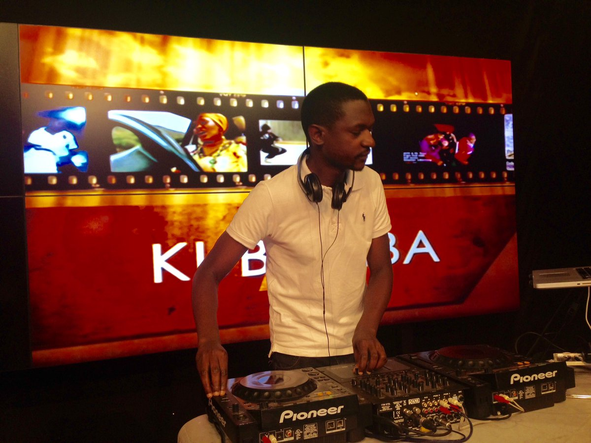 Glad to have @DeeJay_PERUZ with us on @kubambatv https://t.co/YzgQGxdJoy