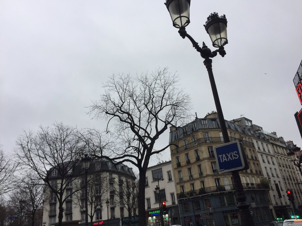 ヨーロッパツアー最終地のパリに到着。  最高の夜にしますよ〜☆
