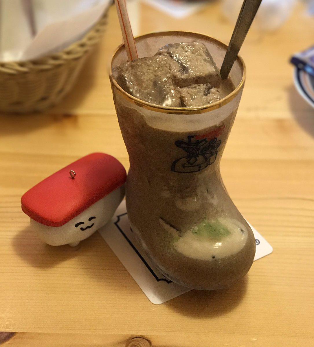 バレンタイン前なので、今年もコメダ珈琲がソフトクリームマシンごとチョコ味にして、すべてのソフトに関わ…