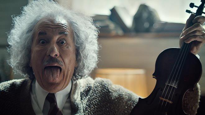 Einstein (Geoffrey Rush) plays Bad Romance #SB51 @NatGeo @McCann_WW @smugglersite https://t.co/ErarXRSnhb https://t.co/seqsq4jAFp