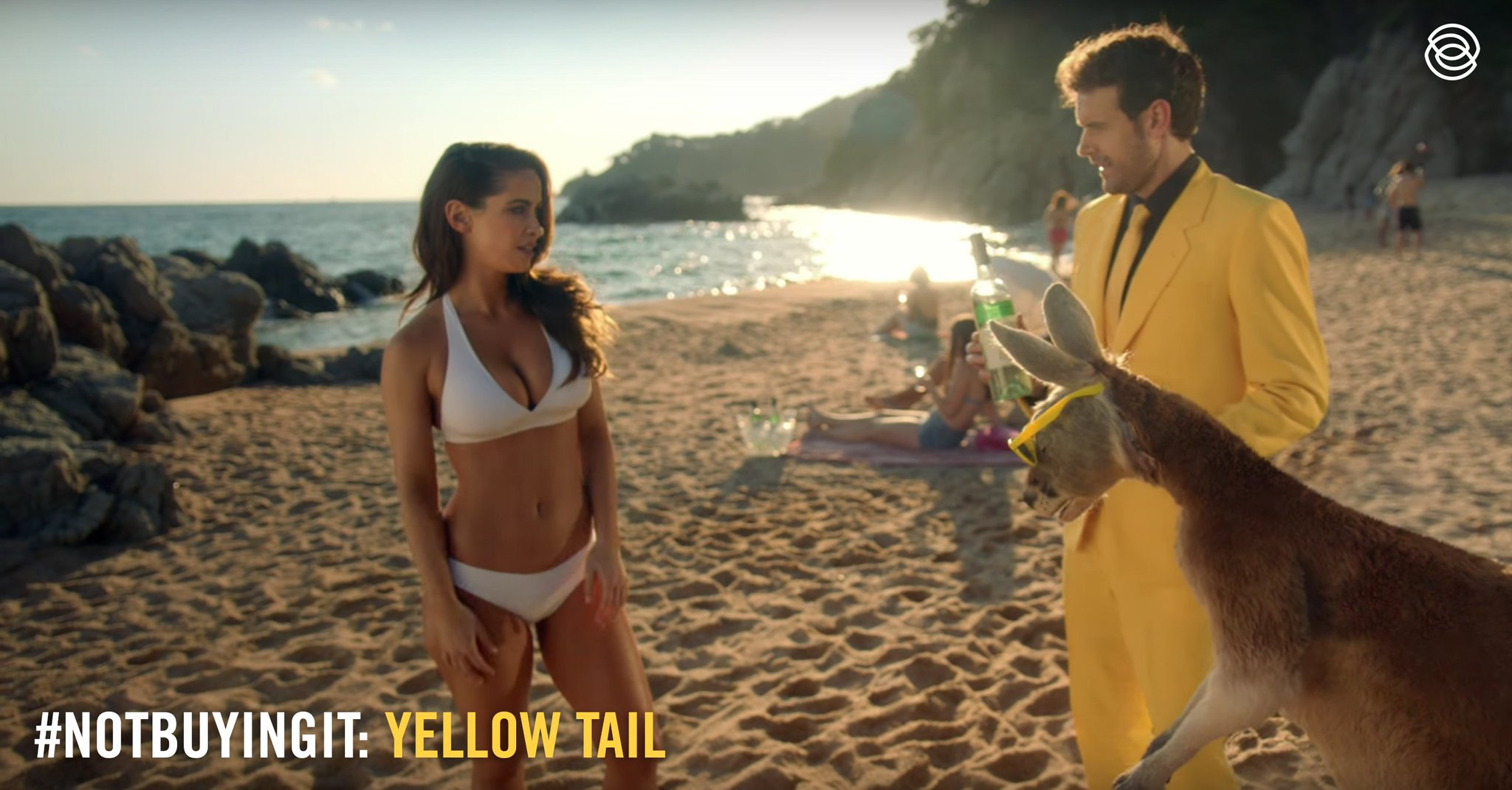 "Your major consumer base (women) know what you mean by ""roo"" and we're #NotBuyingIt @yellowtail_usa.  #3percentSB #malegaze #SuperBowl https://t.co/NG1WIbiphc"
