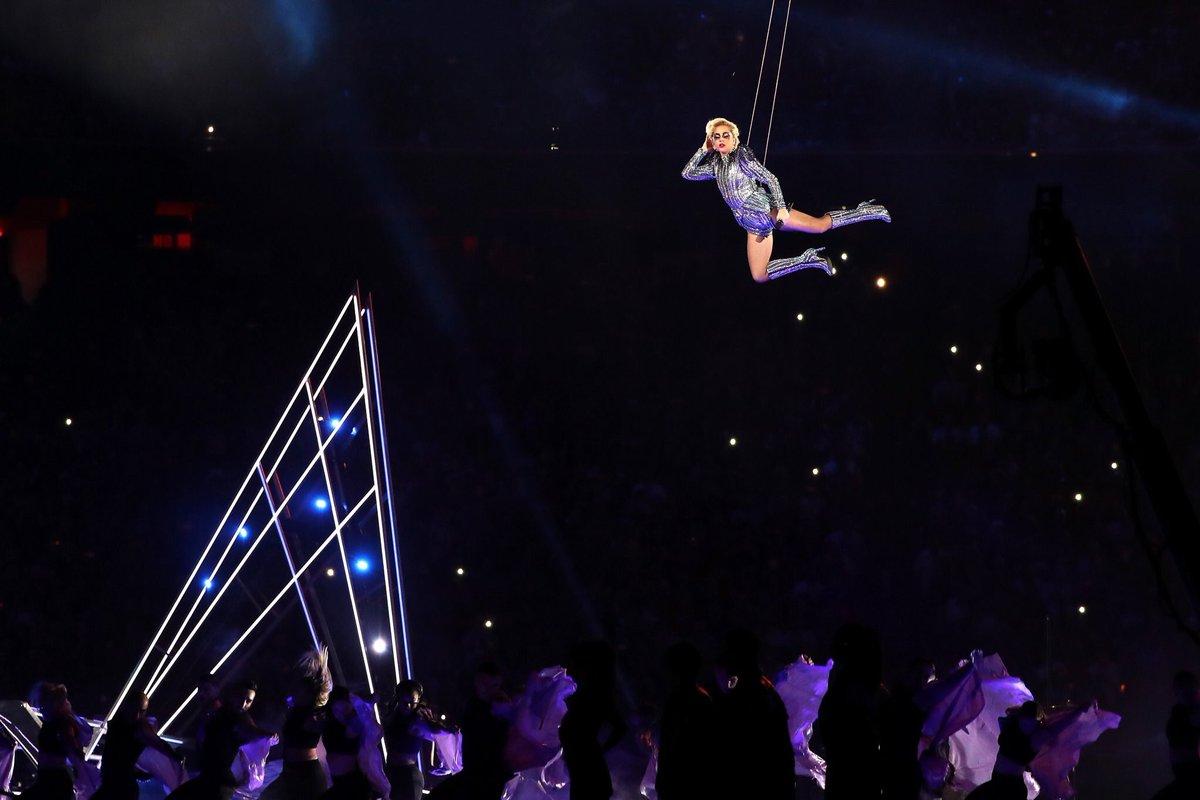 Gaga flying back likeeee BISHHH IM BACK https://t.co/YrXtMOEb6J
