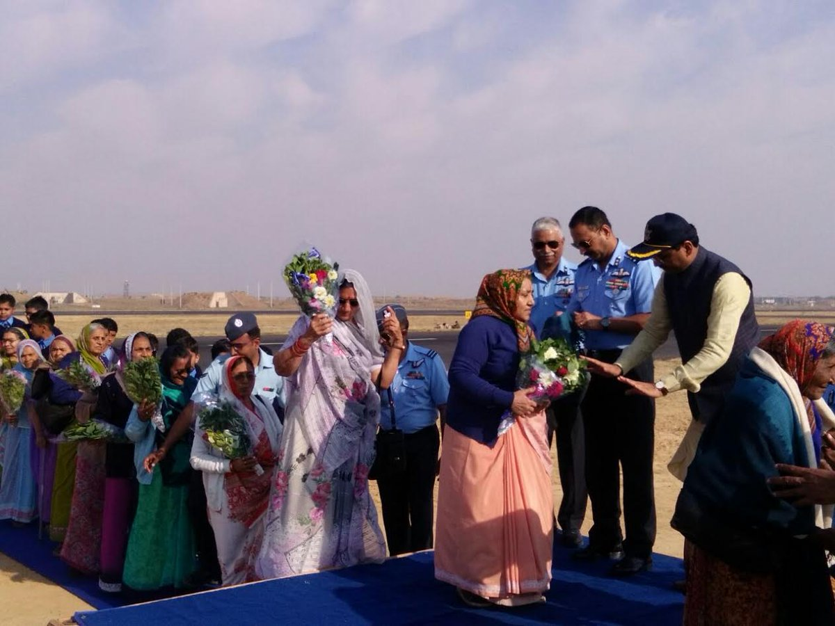 On Republic day eve IAF showcases itself at Bhuj, 25 women who kept runway operated during Indo-Pak war felicitated