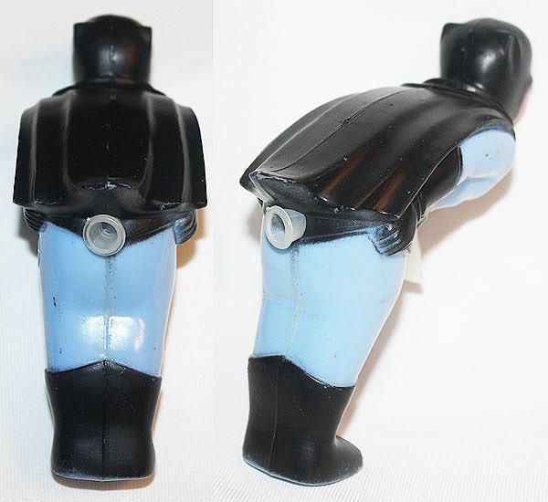 どの角度から見ても色々えげつないバットマンの水鉄砲…