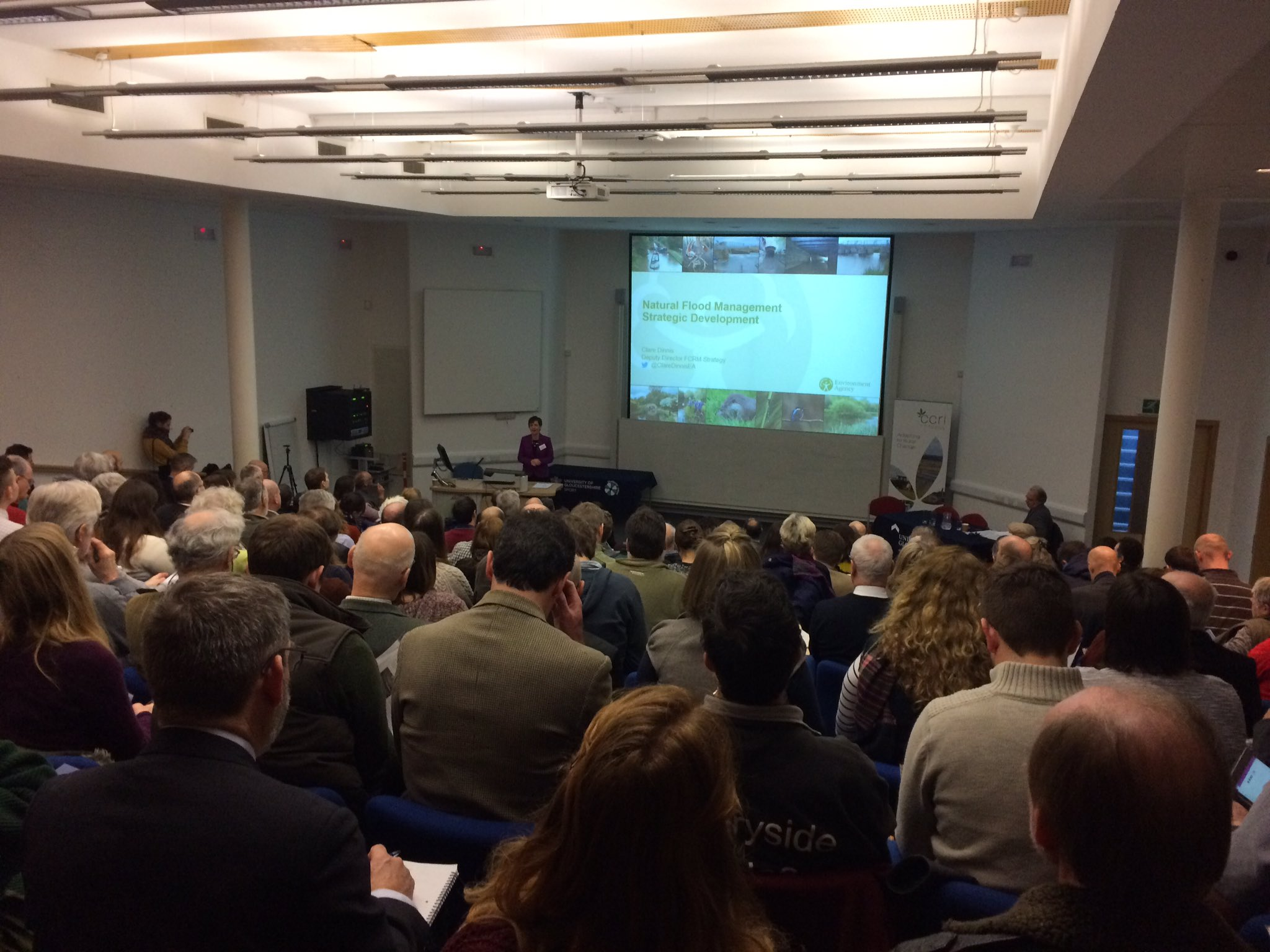 Packed lecture theater at @uniofglos for start of #GlosNFM17 with an overview of natural flood management by @ClareDinnisEA #slowtheflow https://t.co/HNqFb7XQWE