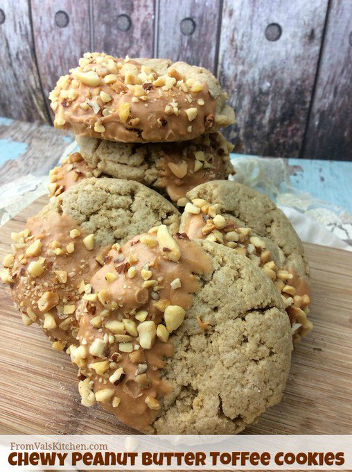 Chewy Peanut Butter Toffee Cookies #Recipe
