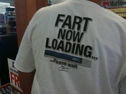 Google翻訳のせいで僕らは英字Tシャツを着づらくなった……