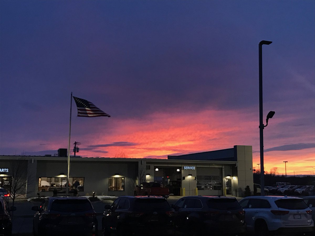 A Few Shots Of The Sunset Monday Night Over The  Dealership.pic.twitter.com/kispyHX7eT