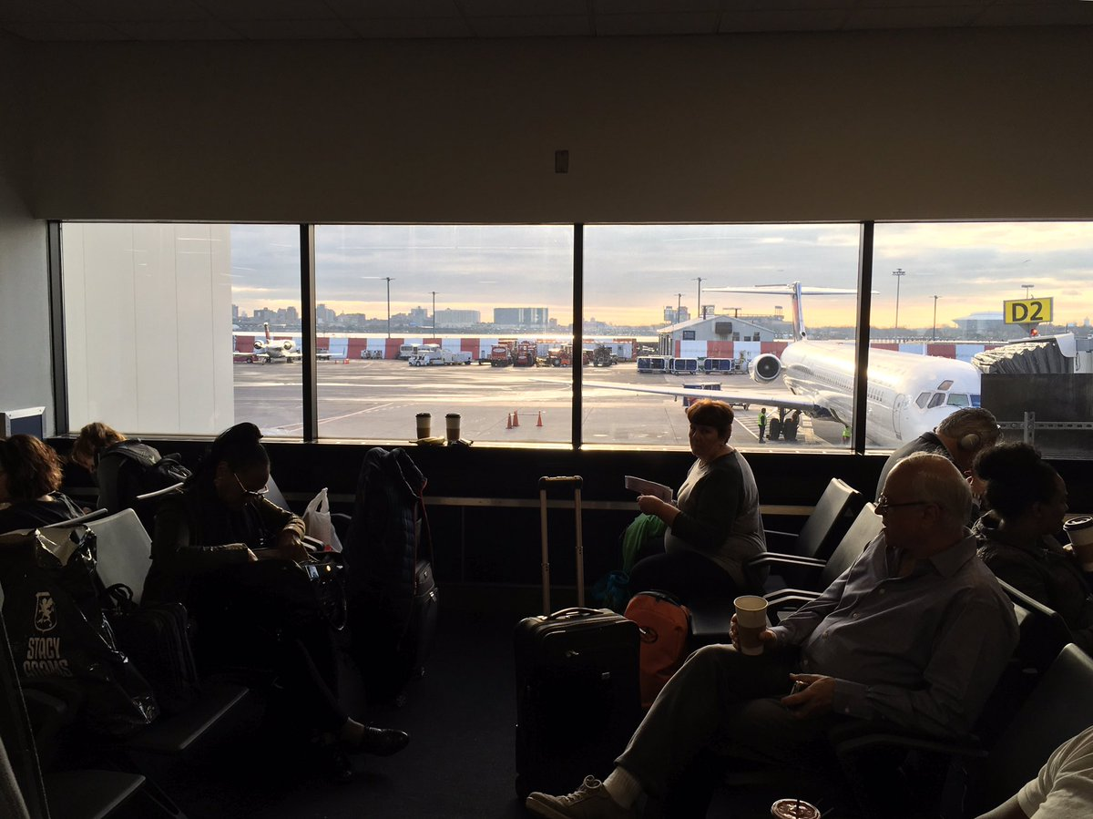 Warm weather bound, to make even happier sounds. #nyctoflorida #clarinetist #musicianlife<br>http://pic.twitter.com/iF9fKz7F9m &ndash; à Terminal D (Delta Terminal)