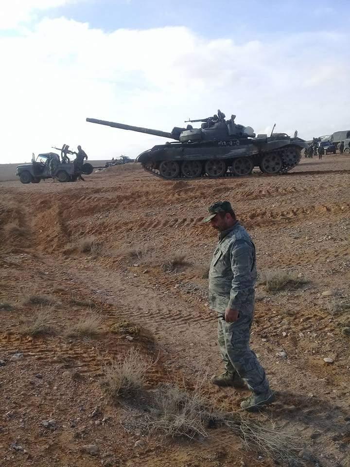 الدبابه T-62 السوريه ودورها في الحرب القائمه هناك  C3BeLjrWQAAm8h2