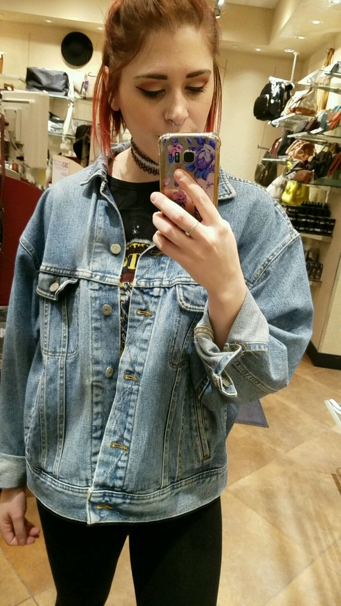 My mom's jean jacket is my new favorite piece of clothing. #joutfit