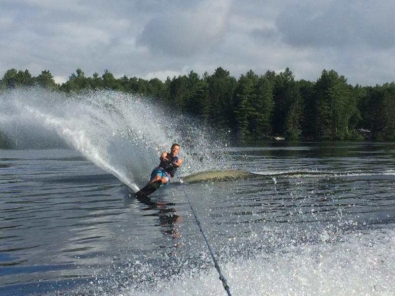Hey EWP290. I'm Nick Jay. I'm a chem major and I enjoy water skiing. #nifkin https://t.co/9ZuKCJXo12