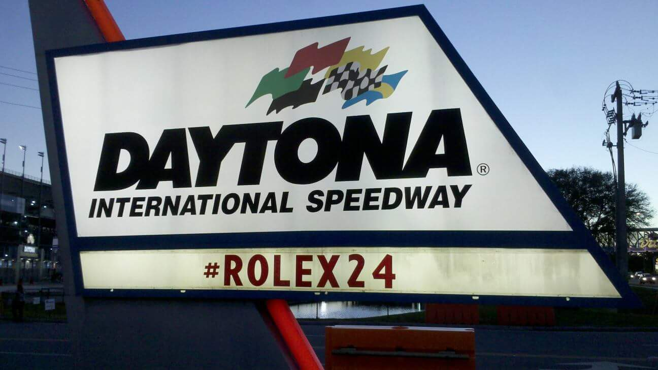 Tonight @ 9PM on #Motorama LIVE - Our #Rolex24 Preview, Are Import Cars About To Be Taxed Into Oblivion, & MORE! https://t.co/08ONLd2Dc7