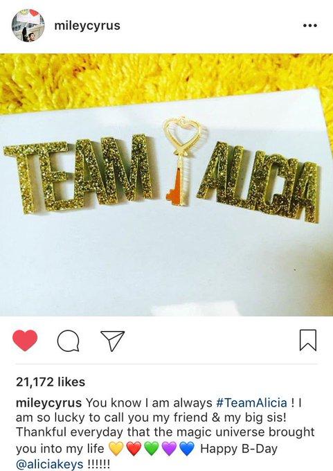 Happy birthday alicia keys! their friendship is so PURE