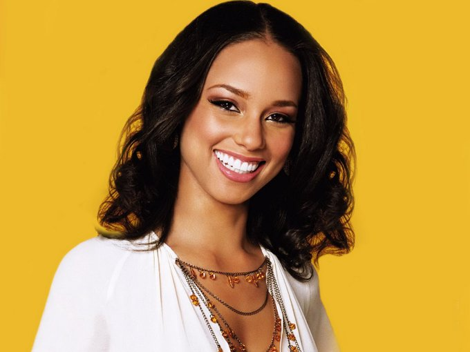 Happy Birthday Alicia Keys.  Thank you for the great music and keep on looking beautiful.