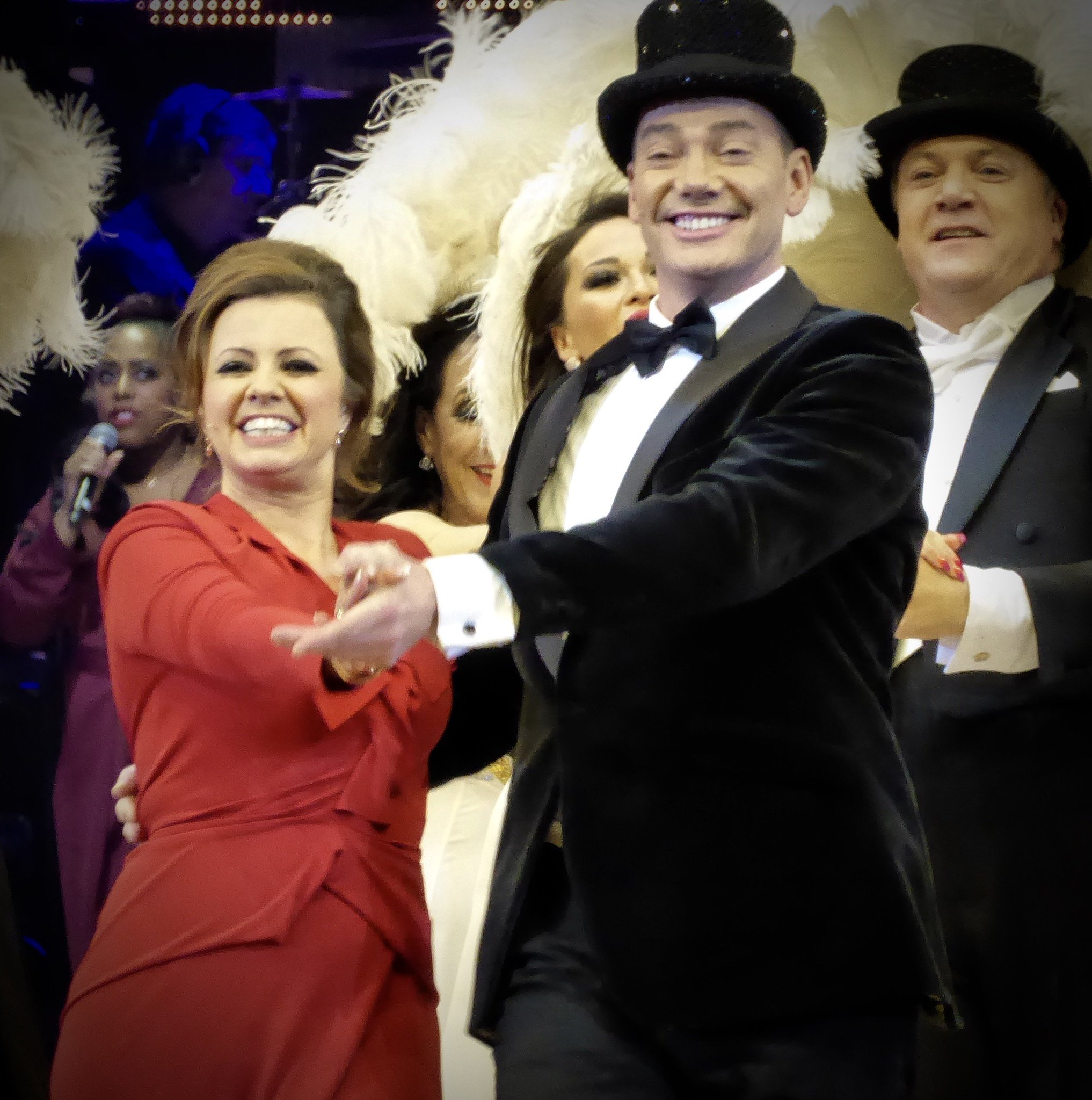 RT @Richardbbc: I get the feeling that @the_karenhardy and @CraigRevHorwood are enjoying the Strictly Live Tour https://t.co/WOquWWfCKI