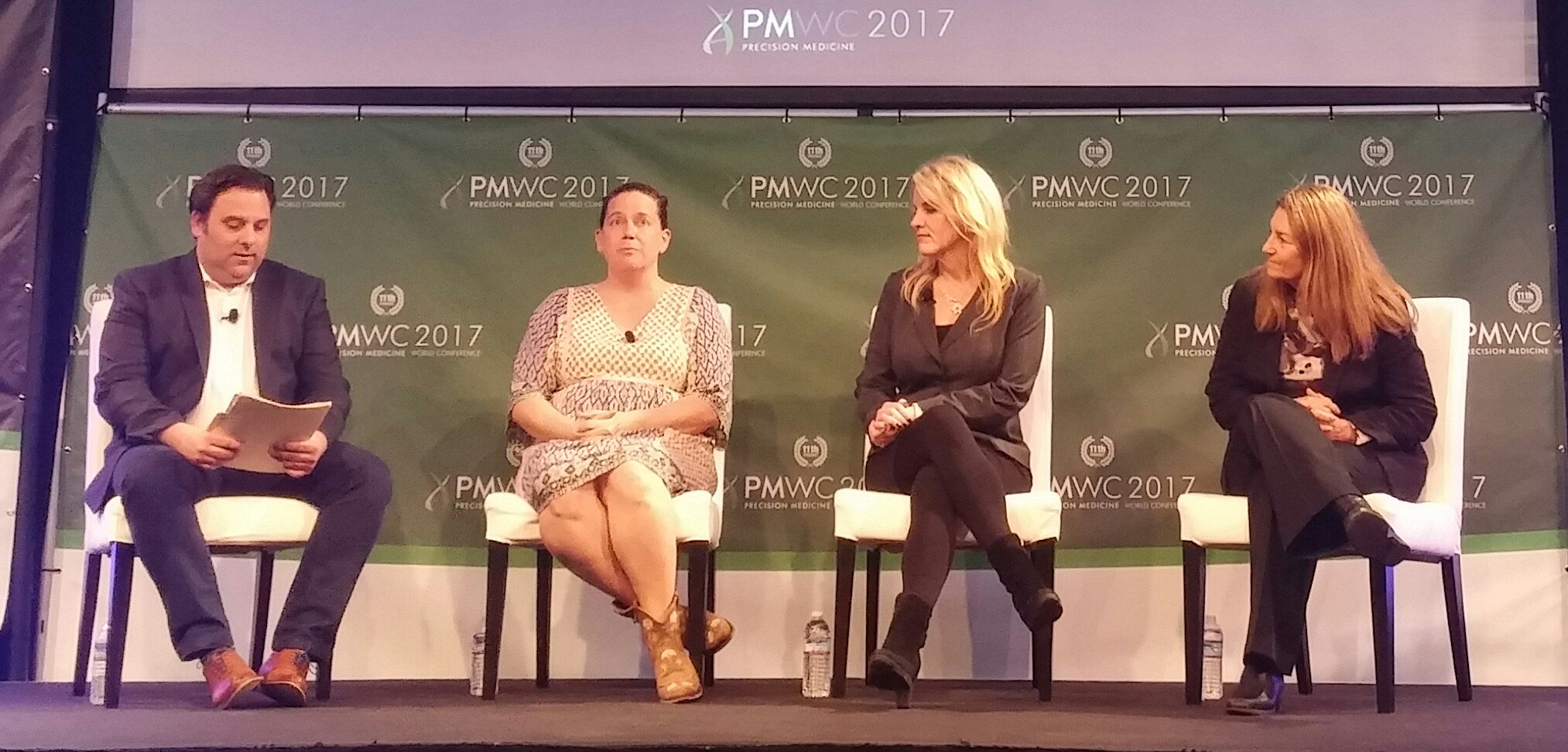@GenomeWeb editor-in-chief Ed Winnick moderating panel on incentives for companion dx development #PMWC17 https://t.co/pK1OxwEmwj