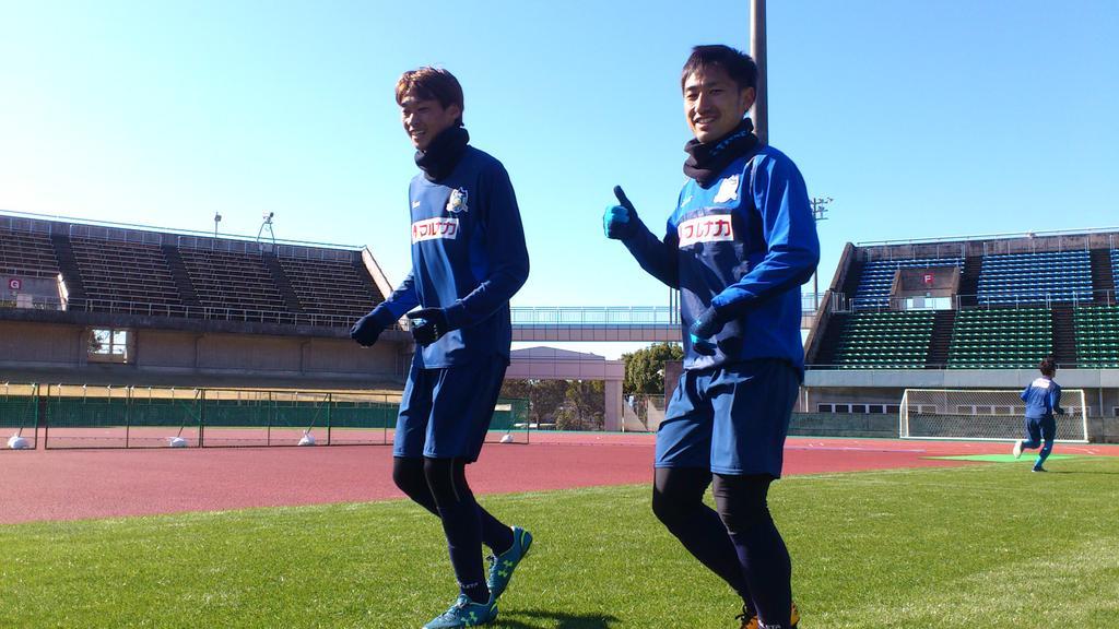 同い年の砂森選手とヨンジ選手 午前のトレーニングを終え、クールダウンで仲良くジョギングです! #ka…