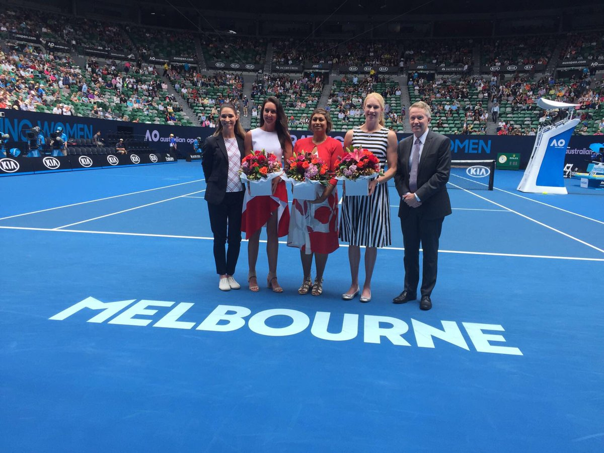 viewbank tennis club viewbanktennisc twitter jo burston dearindira kimmyjcrow join giaanrooney craigtiley on court ausopenpic twitter com p0dwvhwcxq
