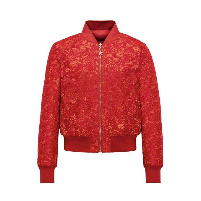"""モンクレールから、""""雄鶏""""をデザインに落とし込んだ深紅の限定ジャケット fashion-press.…"""