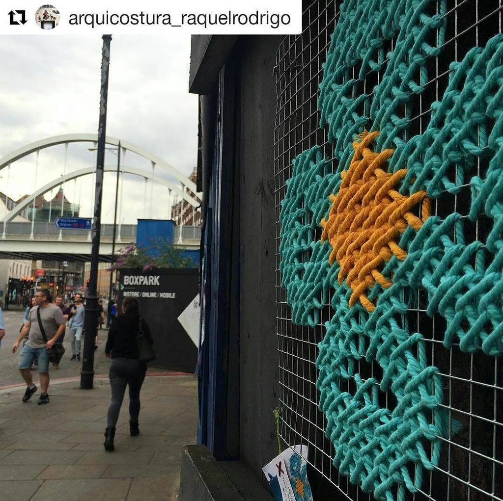 Yarnbombing can get the bus home, large scale cross stitch is where it's at.  #regram @arq… https://t.co/86UAwlGfCE https://t.co/BW4n9utSKB