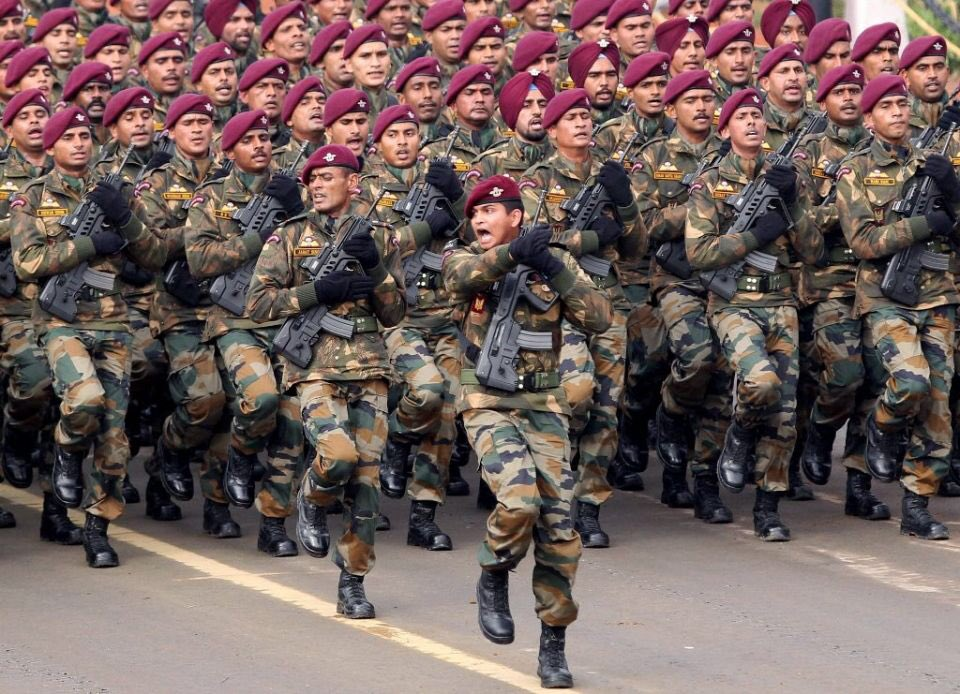 I really missed this a lot on this year's Republic day parade but the shoes were duly filled by the NSG Commandos.