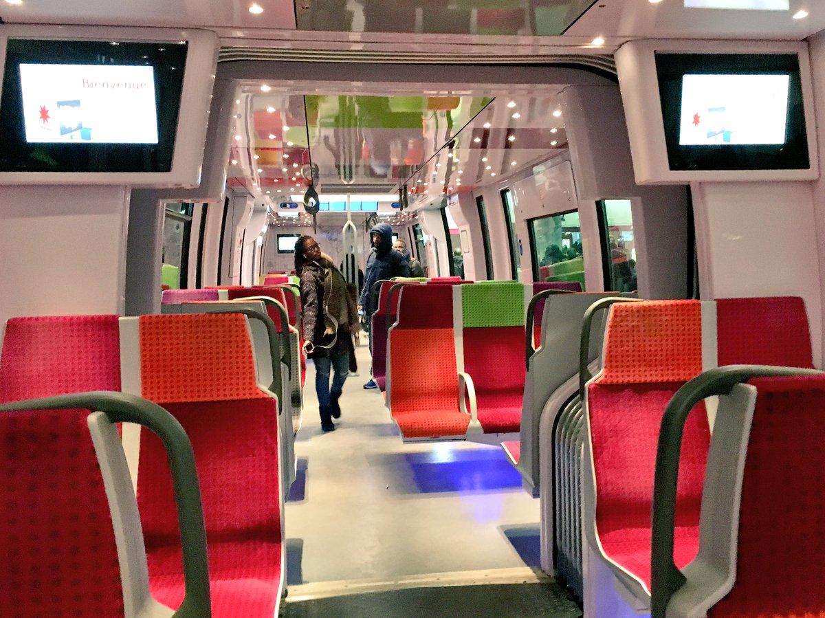 オサレすぎるパリの通勤電車 #うめだま一人旅
