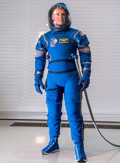 Something about @NASA'a new spacesuit design … looks kind of familiar. https://t.co/0ue0dTSKxA #SPACESHIP https://t.co/9zZquJ365i