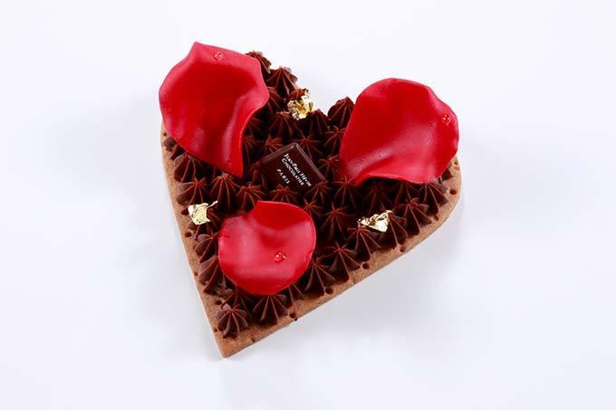ジャン=ポール・エヴァンのバレンタイン、ハートの器に真珠風の粒ショコラ&ボンボンショコラ fashi…