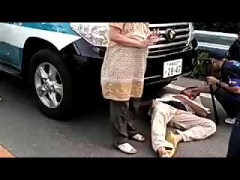 これって警察官が加害者なのか?おかしいだろ沖縄 「当時機動隊の車の前にあぐらをかいて座っていたら、車…
