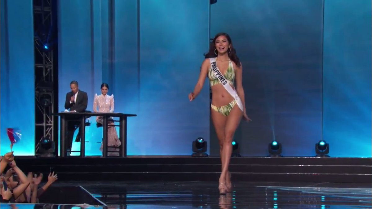 50aa1b5641f6a LOOK: #MissUniverse #Philippines Maxine Medina stuns in her swimsuit during  the preliminary competition. Courtesy of Solar, LCS and MUOpic.twitter.com/  ...