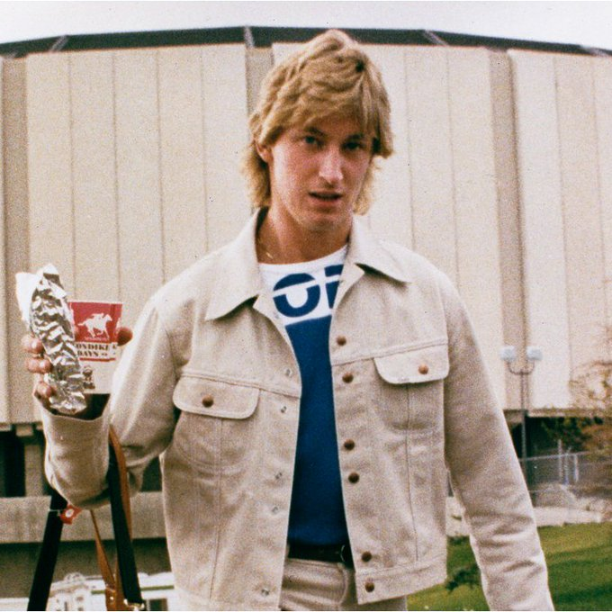 """Happy 56th. Birthday to \""""The Great One\"""" Wayne Gretzky. Here he is Back in the Day! Great memories forever!"""