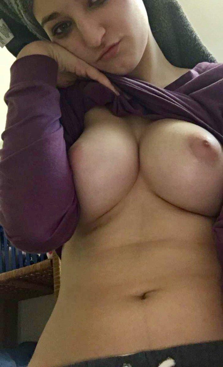 Nude Selfie 10389