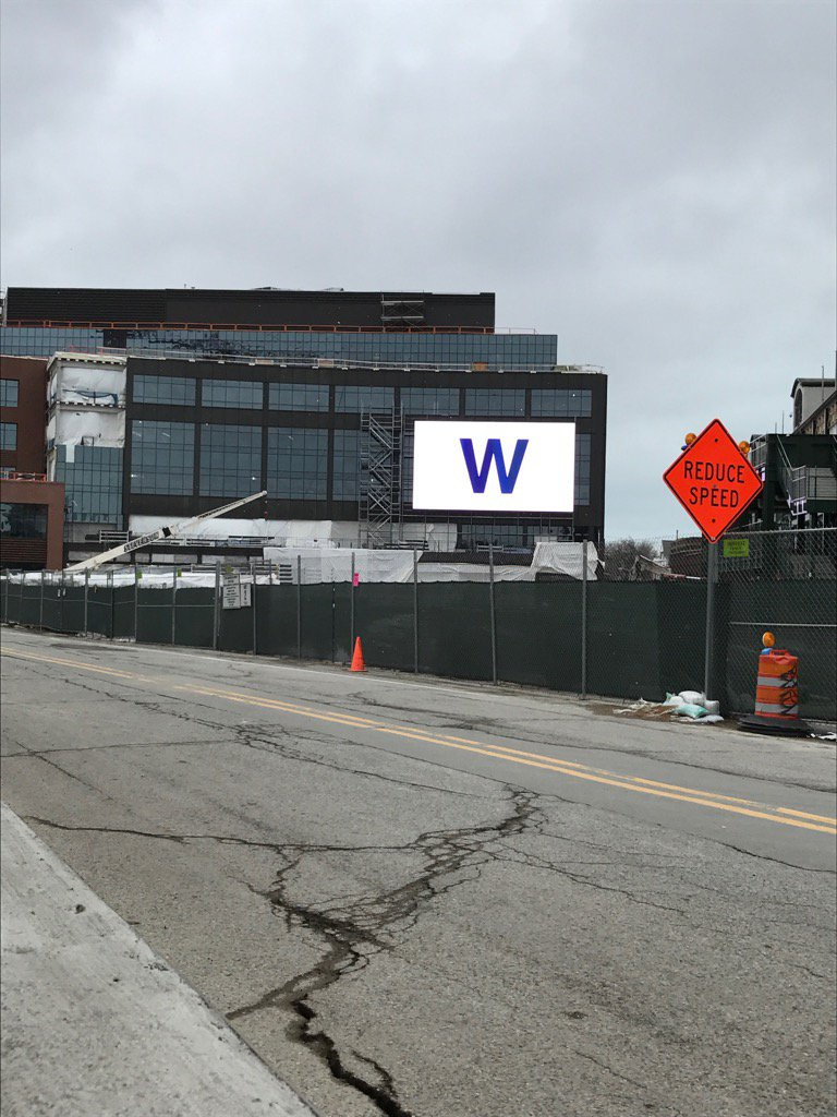 They're testing the new video board by the Wrigley Field plaza.  That works for me! #FlyTheW https://t.co/2hwzAz6ccK