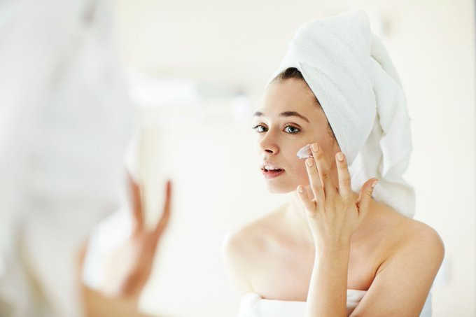 4 Essential Autumn Skincare Tips